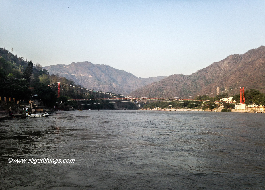 Laxman Jhula at Rishikesh - My travel book for year 2016! looking for more in 2017