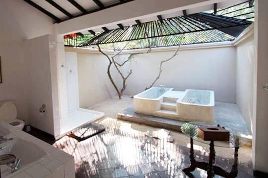 Pond House Suite - Washroom at Apa Villa Illuketia