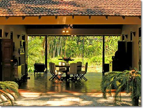 Common area between Ginger and Jasmine Pond House at Apa Villa Illuketia, Sri lanka