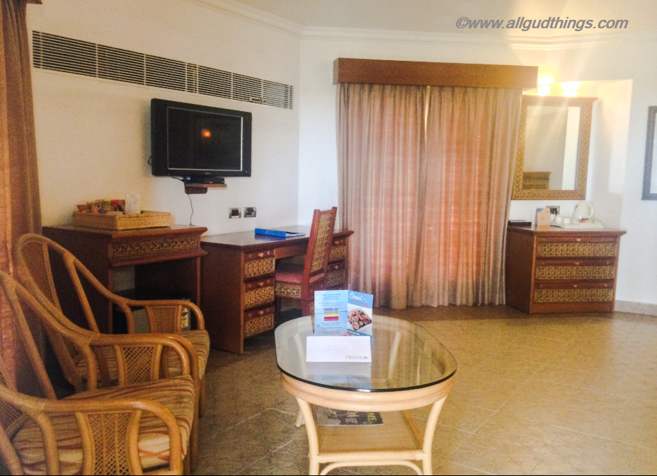 Amenities in Super Deluxe Cottage of Chariot beach resort