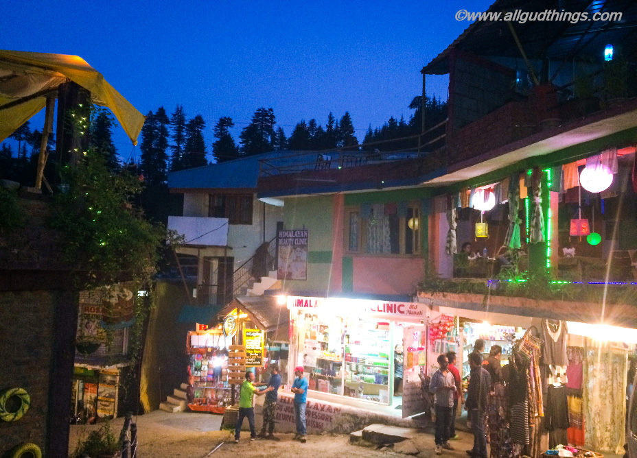 Evening at Old Manali: Travel guide for lahaul Spiti Road Trip