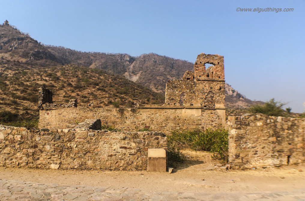 Ruins of Nachan Ki Haveli (Dancers Haveli) in the Haunted Bhangarh Fort