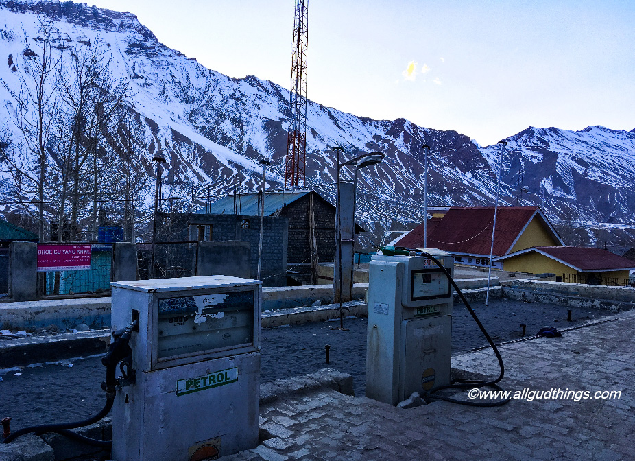 World's Highest Petrol pump at Kaza - Spiti Valley in Winters