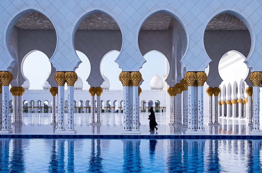 Sheikh Zayed Grand Mosque - Top Attractions of Abu Dhabi