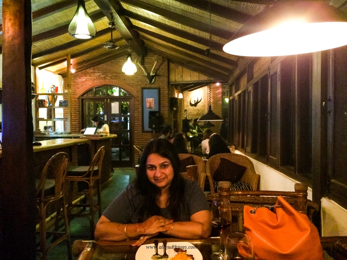 Chilling at Old Manali Cafe