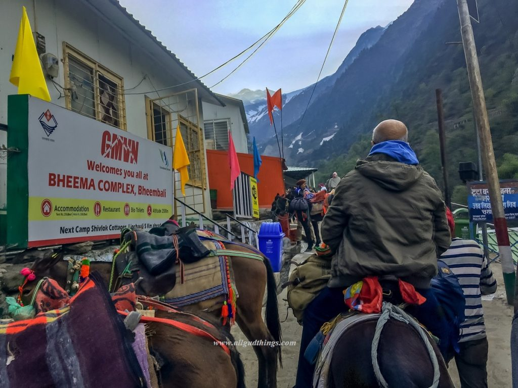 Accommodations on the way to Kedarnath Temple