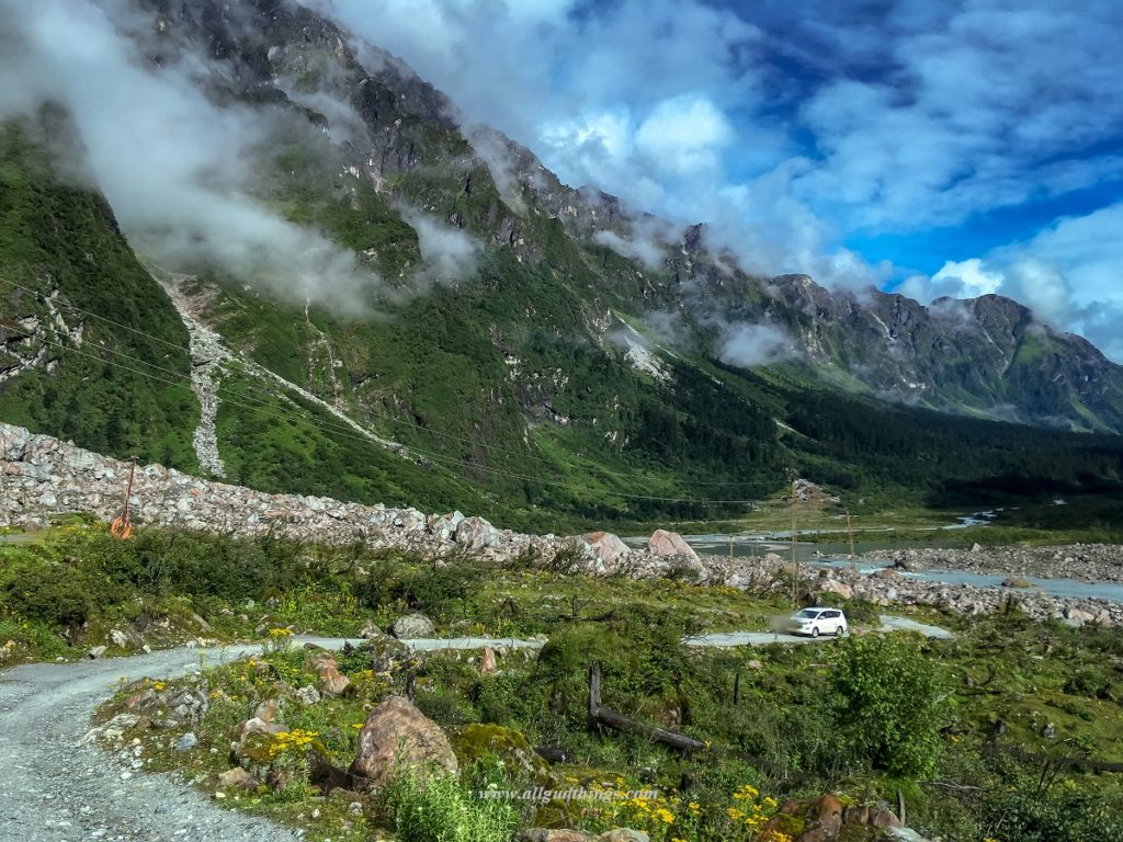 On the way to Yumthang Valley in North Sikkim