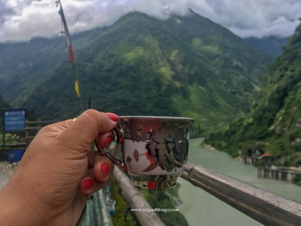 Tea with views on the way to Lachen
